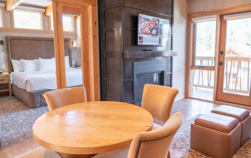 Moose Hotel & Suites